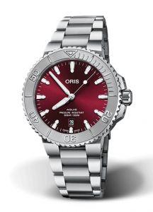 Oris Aquis Date Red |  41.5MM